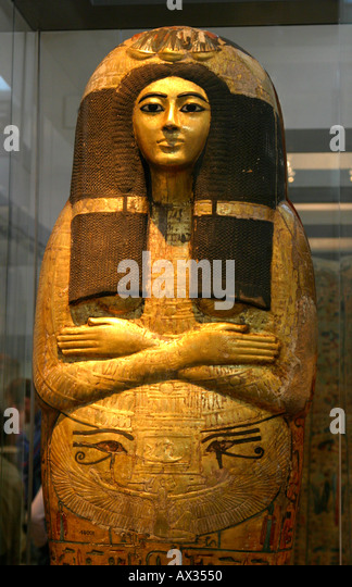 Cleopatra Ornate Traditional Cherry Formal Dining Room: Mummy In Sarcophagus Stock Photos & Mummy In Sarcophagus