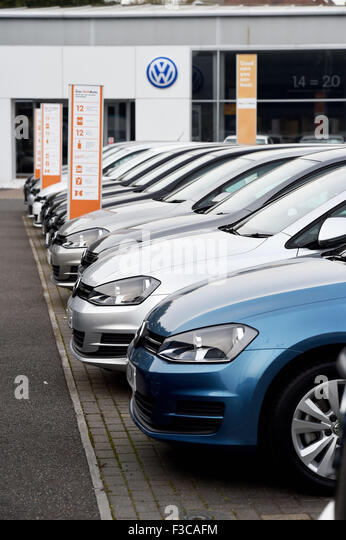 Volkswagen Dealer With Cars Stock Photos Amp Volkswagen