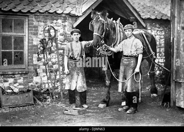 Blacksmith's Shop circa 1910, Thornham, Norfolk, Smithy, Forge, horse, blacksmith, pre 1st World War, Edwardian - Stock-Bilder