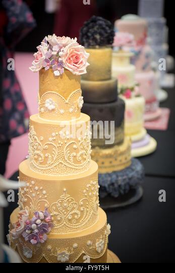 Mehndi Cakes London : Henna wedding stock photos images