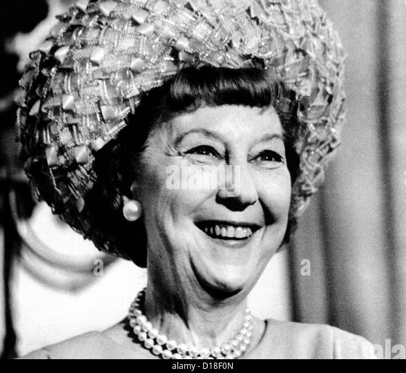 Mrs. Mamie Eisenhower, widow of President Dwight Eisenhower, smiles during a ceremony where President Nixon presented - Stock Image