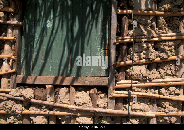 Honduras Garifuna mud wall architecture Caribbean coast - Stock Image