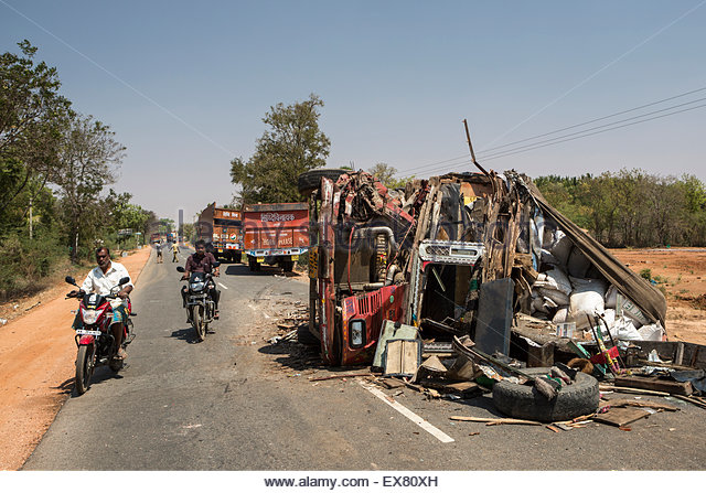 India, Karnataka, View of road accident. - Stock Image
