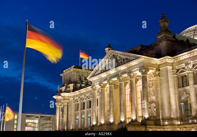 Glass Dome By Norman Foster over the Reichstag Parliament Building - Stock-Bilder