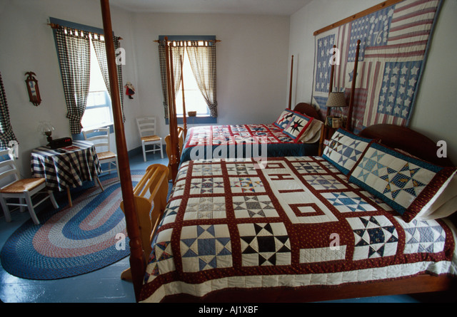 Ohio Lucas Lucas House Bed & Breakfast guest room Ohio theme quilt - Stock Image
