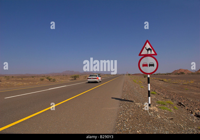 Taxi on Route 28 near Ibra Oman Date 12 03 2008 Ref ZB917 111153 0029 COMPULSORY CREDIT World Pictures Photoshot - Stock Image