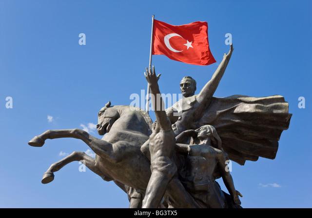 Ataturk statue in the Old Town of Antalya, Anatolia, Turkey, Asia Minor, Eurasia - Stock Image