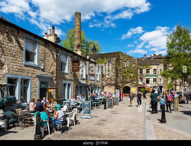 Hebden Bridge, Yorkshire. The Shoulder of Mutton pub on Bridge Gate, Hebden Bridge, West Yorkshire, England, UK. - Stock Image
