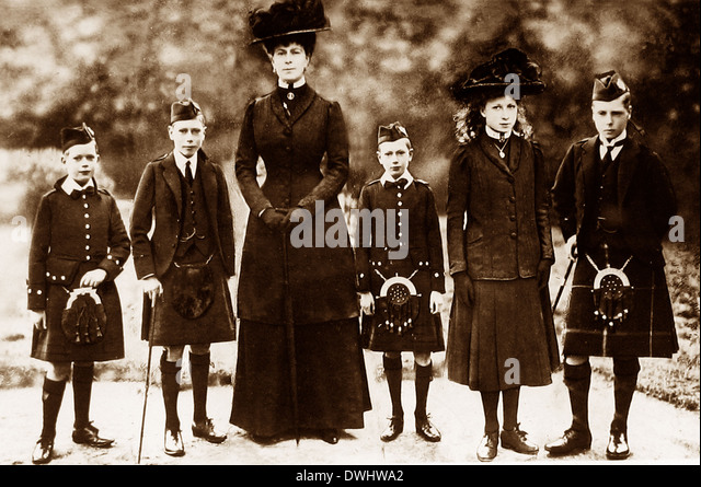Queen Mary and Princes Albert Henry George and Princess Mary - Stock Image