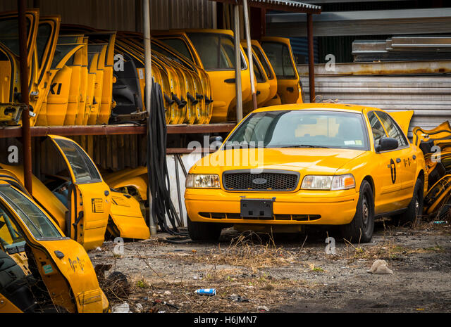 Wen2k Com Junk Yard Salvage Yard Auto Repair Garage: Scrapyard America Stock Photos & Scrapyard America Stock
