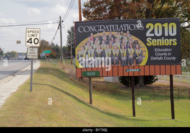 Tennessee Smithville small town roadside sign billboard graduating class high school seniors education class photo - Stock Image
