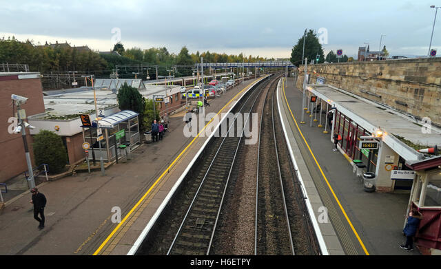 Motherwell Railway Station,platforms 1 & 2, North Lanarkshire, Scotland, UK - Stock Image