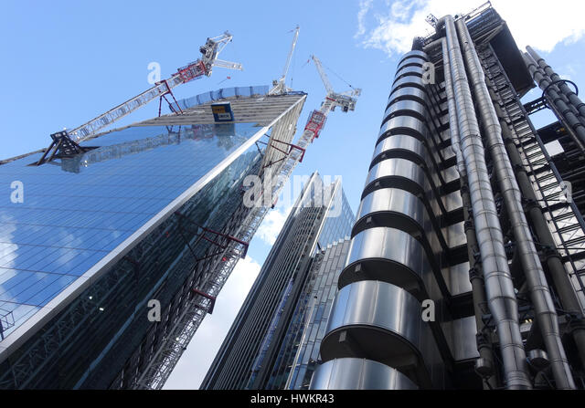 View looking up at the Scalpel skyscraper under construction on the corner of Lime Street and Leadenhall Street - Stock Image