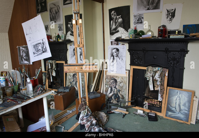 Cardiff studio of Scottish born Wales based artist Corrie Chiswell. - Stock Image
