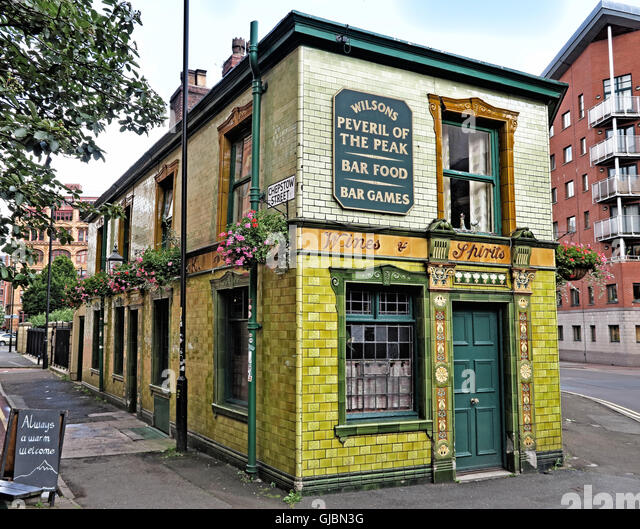 Peveril of the Peak, classic pub,Manchester,Lancs,England,UK - Stock Image