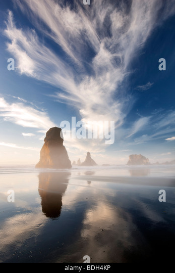 Coast with interesting clouds near sunset. Samuel H. Boardman State Scenic Corridor. Oregon - Stock Image