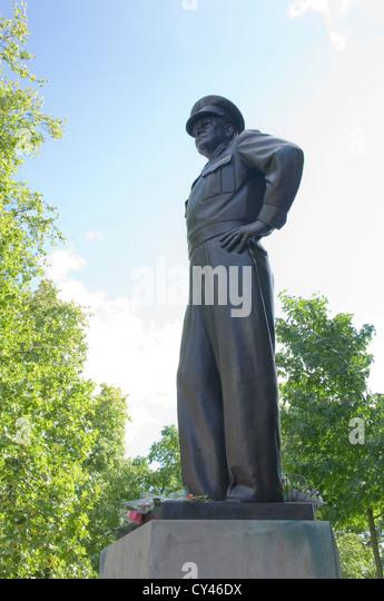 Dwight D Eisenhower statue - Stock Image