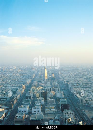 Overview of Riyadh with King Fahed Road and Al Faisaliah Tower, Riyadh, Saudi Arabia - Stock Image