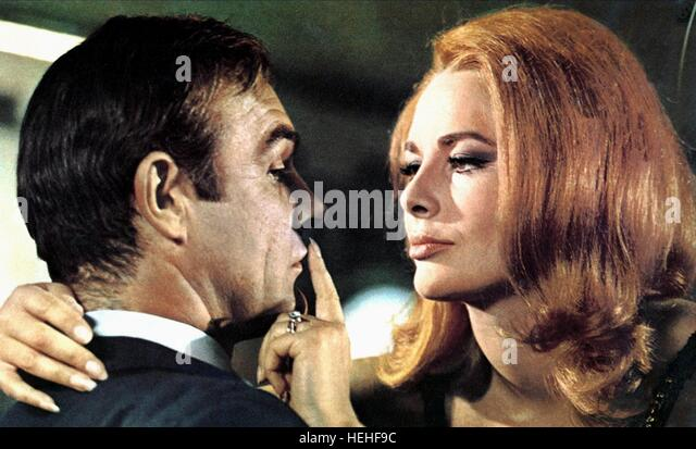 SEAN CONNERY & KARIN DOR JAMES BOND: YOU ONLY LIVE TWICE (1967) - Stock Image