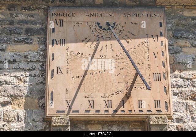 England Derbyshire, Eyam, sundial on church - Stock Image