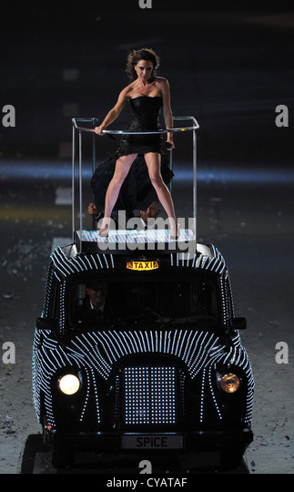 Victoria Beckam performs on top of London taxi at the London 2012 Olympics closing ceremony - Stock Image
