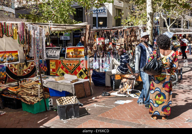 Cape Town South Africa African City Centre center St. George's Mall pedestrian vendors stalls arts & crafts - Stock Image