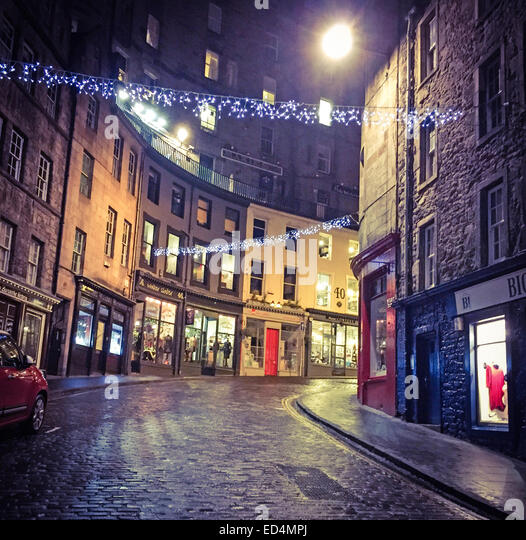 Looking up Edinburgh's Historic Victoria St, City Centre, Lothian, Scotland, UK at night - Stock Image