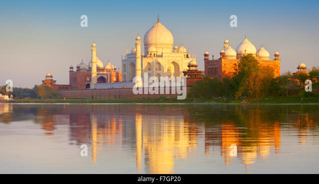 Taj Mahal and Yamuna River at sunset, (Northern view of Taj Mahal), Agra, Uttar Pradesh, India - Stock Image