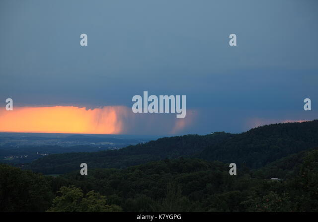 Heavy rainfall in Danube valley at Deggendorf, Lower Bavaria, Germany, Europe. Photo by Willy Matheisl - Stock Image