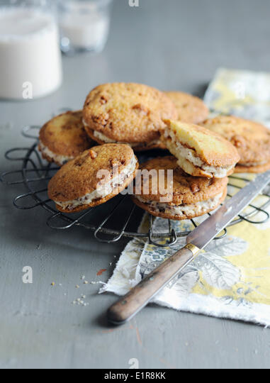 Puffed rice whoopies - Stock Image