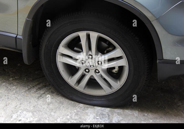 Inflating Tyre Stock Photos & Inflating Tyre Stock Images ...