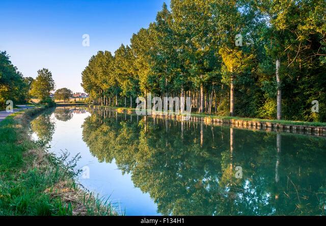 Canal de Bourgogne, Yonne, France - Stock Image