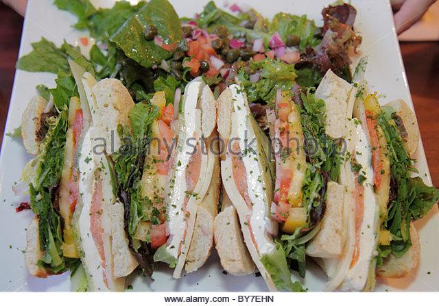 Maryland Baltimore East Pratt Street Miss Shirley's Cafe restaurant business plate food sandwich bagel salad - Stock Image