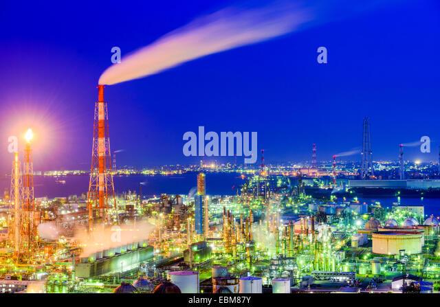 Chemical plants in Yokkaichi, Japan. - Stock Image