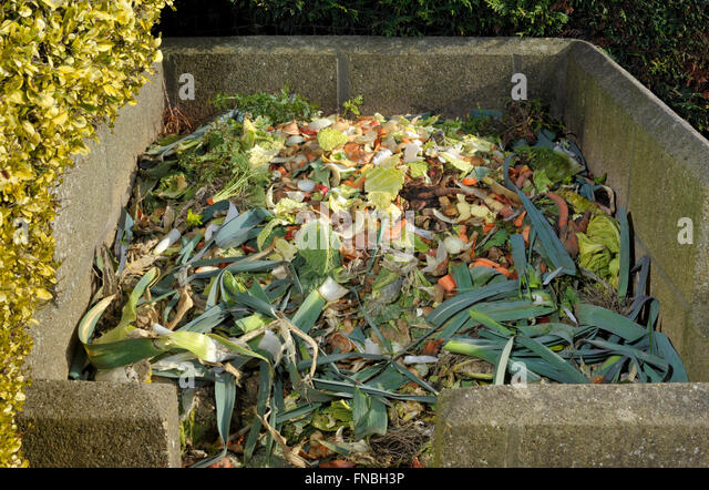 Shredded paper compost stock photos shredded paper - Bac a compost ...