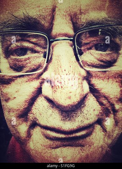 Senior man, portrait wearing glasses - Stock-Bilder