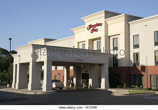 Alabama Troy Hampton Inn hotel chain exterior 2 story building entrance driveway motel - Stock Image