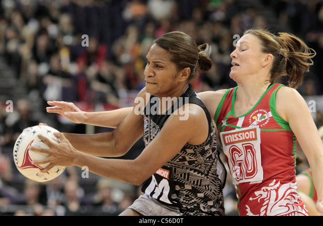 09.07.2011 Seruwaia Vonolagi of Fiji(left) and Joanne Davies of Wales in action during the 9th place playoffs between - Stock Image