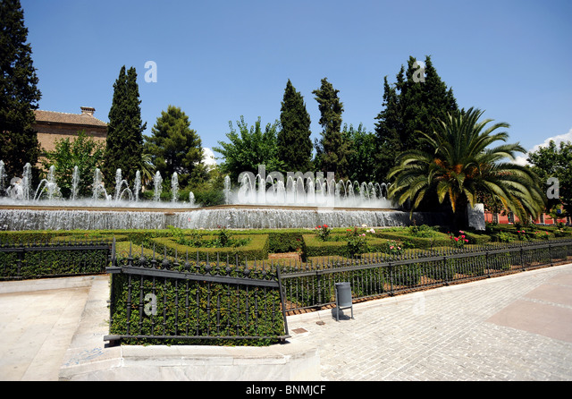 Jardines stock photos jardines stock images alamy for Jardines triunfo granada