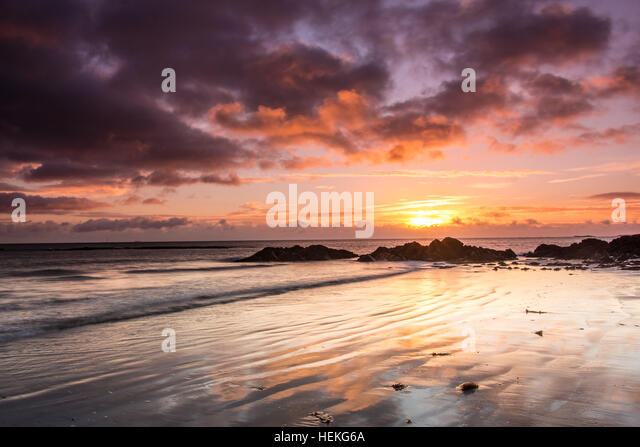 Ballywalter, Co Down, N Ireland, UK. 22nd December 2016. UK Weather: A cold but beautiful sunrise in Ballywalter - Stock Image