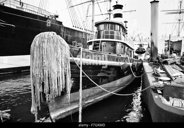 South sea seaport new york stock photos south sea for Fishing in new york city