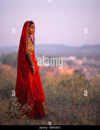 Young woman, Pushkar camel fair, Rajasthan, India - Stock-Bilder