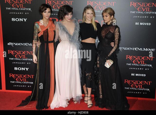 Wallpaper Milla Jovovich Ali Larter Ruby Rose Resident: Ali Larter Milla Jovovich Resident Stock Photos & Ali
