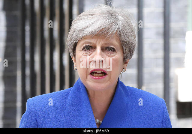 London, UK. 9th Jun, 2017. British Prime Minister Theresa May makes a statement in Downing Street. Credit: Dinendra - Stock-Bilder
