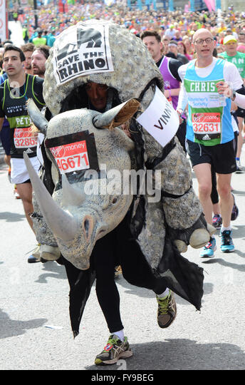 Tower Bridge, London, UK. 24th April 2016. First run on 29 March 1981, the 36th Marathon saw the 38000 elite, club - Stock Image