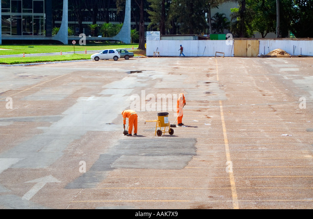 Workers Cleaning Streets Brasilia Brazil - Stock Image