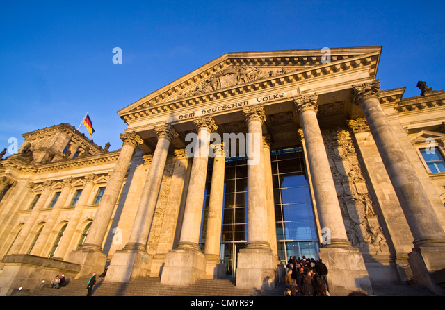 Reichstag building, columns at the entrance, people queeing, outdoors, Berlin - Stock Image