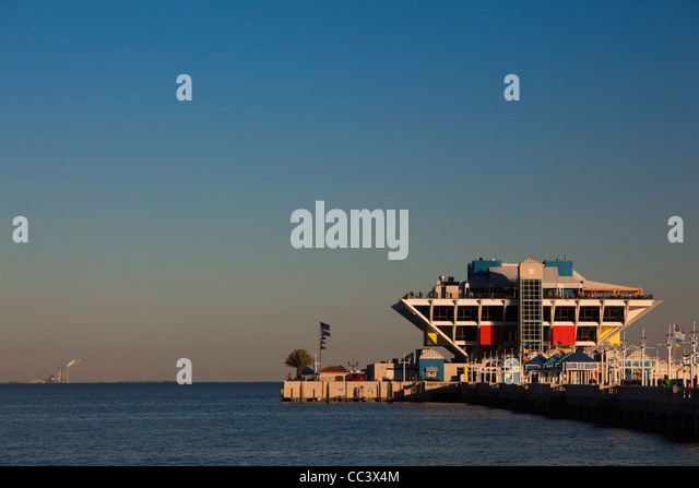 USA, Florida, St. Petersburg, The Pier, Tampa Bay, sunset - Stock-Bilder