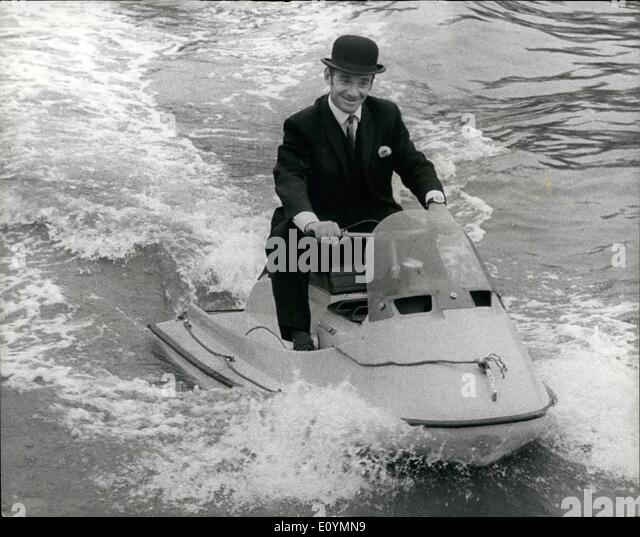 Oct. 10, 1970 - To Parliament by Scooter Ski. Parliament was reassembled today, and M.P.'s arrived by various - Stock Image