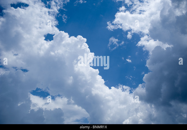 Blue Sky and White clouds - Stock-Bilder